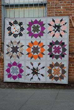 I'm really loving the Halloween colours of this Swoon by Camille. I think I need to give this one a go.