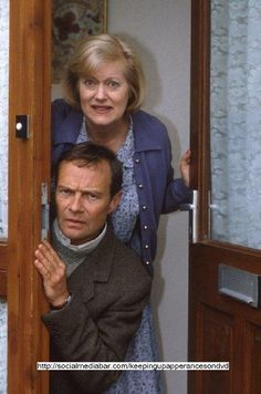 Elizabeth and Emmett. Love these two! (Keeping Up Appearances) Poor Elizabeth, Hyacinth drove her crazy! British Comedy Series, British Tv Comedies, British Actors, Classic Comedies, Bbc Tv Shows, Keeping Up Appearances, British Humor, Comedy Tv, Keep Up