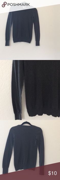 Gray sweater It has never been worn! Perfect condition. It has elastic at the bottom and the bottom of the sleeves (as shown in pictures). I bought it a while ago at Nordstrom and just never got the chance to wear it, so I'm hoping someone else will get more out of it 💕 Nordstrom Sweaters Crew & Scoop Necks