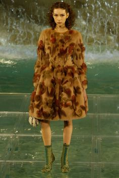 Fendi Fall 2016 Couture Fashion Show