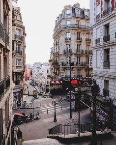 Likes, 207 Comments - 🇫🇷 / Paris 📍Travel ( - Oh The Places You'll Go, Places To Travel, Travel Destinations, Wanderlust Travel, Louvre Paris, Montmartre Paris, Paris Paris, Metro Paris, City Aesthetic