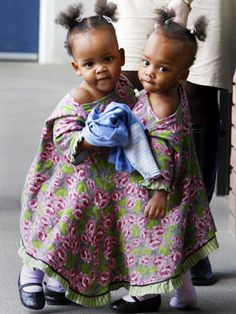Conjoined twins Maria and Teresa Tapia shared a liver, pancreas and (portion) small intestine. They were successfully separated in (they are adorable) Biracial Twins, Vintage Oddities, Conjoined Twins, Human Oddities, Twin Photos, Reading At Home, Cool Photos, Amazing Photos, Love Your Skin