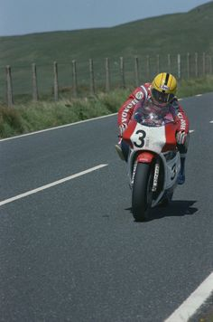 Joey Dunlop, HRC Honda Britain RS750R, 1984 Classic TT
