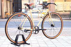 "Ms.K's*SURLY* steamroller complete bike  BLUE LUG custom    SPEC  Frame: *SURLY* steamroller   Headset:*RITCHEY* comp 1 1/8""   Front Wheel: *ALEX* × *SURLY* track hub  Rear Wheel: *ALEX* × *SURLY* track hub  Tire: *MICHELIN* 700c×35c  Freewheel: *SHIMANO*  Brake: *DIA-COMPE*dc750  Pedal: *ODYSSEY* twisted pc pedal (black)  Stem: *NITTO* mt-16(black)  Handle:*NITTO* b2522 all rounder bar (black)  Bartape: *BROOKS* leather bartape (honey)  Saddle:*BROOKS* team pro alpe d' huez (honey)"
