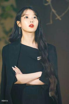 Girl Photo Poses, Girl Photos, Korean Celebrities, Celebs, Korean Girl, Asian Girl, Aesthetic People, Korean Actresses, Korean Beauty