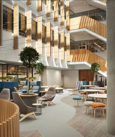 Grimshaw has designed the fit-out for Yoox Net-A –Porter's new Tech Hub, where the 70,000 sq ft office environment is now home to 500 staff.