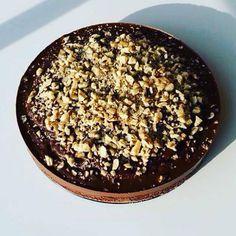 Cizrnový koláč s čokoládou a oříšky - Fitness Recepty