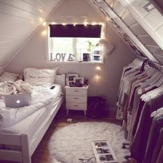 small and cute bedroom
