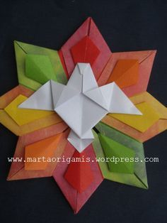 Origami ornaments modular 60 ideas for 2019 Origami Bag, Origami And Quilling, Origami Paper Art, Origami Fish, Origami Stars, Paper Crafts, Origami Lotus Flower, Origami Ornaments, Origami Mobile