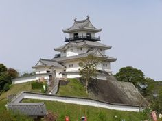 """Kakegawa-jo[Unmu-jo] / Shizuoka.japan / Important cultural property of the country[Ninmarugoten] / The construction of a castle is 1469 ? / The building of """"Tensyu"""" is 1621 / """"Tensyu"""" rebuilt it in 1996."""