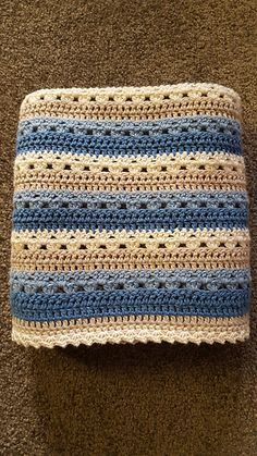 Ravelry: Cosy Stripe Blanket - Knitting and Crochet Afghan Crochet Patterns, Crochet Stitches, Crochet Hooks, Crochet For Beginners Blanket, Baby Blanket Crochet, Christmas Crochet Blanket, Beginner Crochet, Crochet Blankets, Crochet Afgans