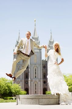 so adorable! Oh My goodness, yes. This WILL be my wedding picture! Ahh the SLC temple (: