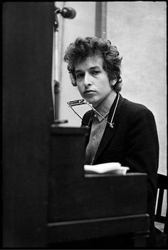 bob dylan in nyc, Bob Dylan Quotes, Morrison Hotel, Classic Rock Bands, Blues, Ginger Men, Nyc, Idole, Jimi Hendrix, American Singers