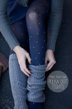 DIY Easy Polka Dot Tights Tutorial from This Heart of Mine here. Beyond easy DIY. For my most popular DIY tights - gorgeous baroque gold app. Diy Fashion, Ideias Fashion, Autumn Fashion, Fashion Ideas, Fashion Tights, Dress Fashion, Street Fashion, Polka Dot Tights, Polka Dots
