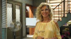"""""""Pé na Cova"""" exibe primeiro episódio inédito após morte de Marília Pêra #Atriz, #Cantora, #Gente, #Morte, #Programa, #Show, #Teatro, #Tv http://popzone.tv/2015/12/pe-na-cova-exibe-primeiro-episodio-inedito-apos-morte-de-marilia-pera.html"""