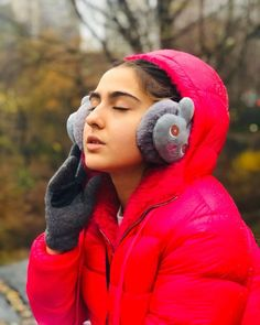 When people ask me why I'm going to New York compulsively or why I miss it obsessively, I just wish I could tell them it's because I miss… Celebrity Wallpapers, Celebrity Photos, Saif Ali Khan, Latest Gossip, Bollywood Updates, Kareena Kapoor Khan, Beautiful Bollywood Actress, Without Makeup, Hd Images