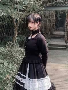 Beautiful Japanese Girl, Gothic Lolita, Pose Reference, Flower Girl Dresses, Poses, Wedding Dresses, Cute, Photography, Inspiration