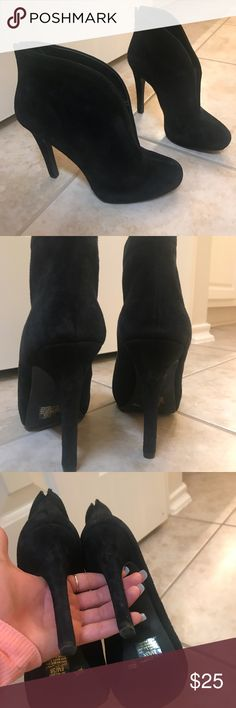 Jessica Simpson boots Black Jessica Simpson boots  Condition: used Jessica Simpson Shoes Ankle Boots & Booties