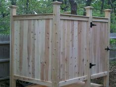 building an out door shower | Outdoor Shower Enclosure – How to Choose the Best Materials: Outdoor ...