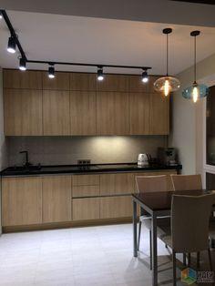 """Светильники """"полосой"""" - провести подобные полосы по кухне-гостиной, в т. ч. над столом? Как они подключаются?"""