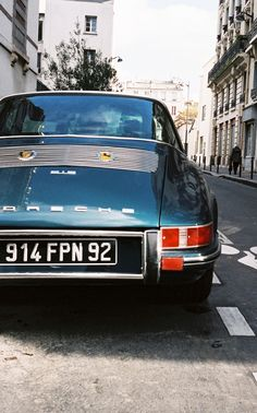 Porsche 912 Paris, France - December 2010 Shot with Leica Minilux