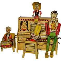 Unique Art Lil Abner & His Dog Patch Band - 1945 Antique Toys, Vintage Toys, Old Fashioned Toys, Shabby Chic Art, Puppet Toys, Vintage Classics, Little Golden Books, Tin Toys, Classic Toys