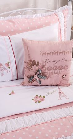 Image about ♡♡♡ in Pretty in Pink/White by Marie Wright Isaacs Pink Bedrooms, Shabby Chic Bedrooms, Girls Bedroom, Shabby Chic Pink, Shabby Chic Decor, Romantic Homes, Linens And Lace, Rose Cottage, Color Rosa