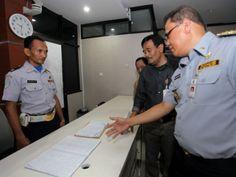 Djarot mengunjungi kantor Dinas Perhubungan DKI Jakarta