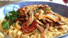 MatPrat - Kremet pasta med svinestrimler og pepperoni