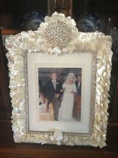 Shell and Mother-of Pearl Encrusted Bridal Wedding Photo Frame Bride Picture Seashell Picture Frames, Seashell Frame, Wedding Picture Frames, Seashell Art, Seashell Crafts, Wedding Photos, Wedding Ideas, Sea Beach Images, Bride Pictures