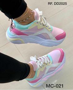 Source by takeananswer zapatos de. Cute Sneakers, Sneakers Mode, Casual Sneakers, Sneakers Fashion, Fashion Shoes, Shoes Sneakers, Fashion Tape, Shoes Heels, Pretty Shoes