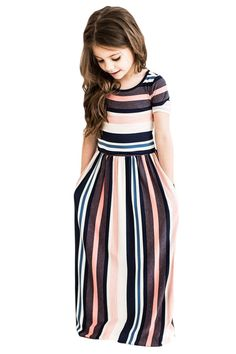 Moda infantil ideas kids fashion new ideas Girls Maxi Dresses, Striped Maxi Dresses, Dresses For Kids, Baby Dresses, Short Dresses, Trendy Dresses, Little Girl Fashion, Toddler Fashion, Girls Fashion Kids