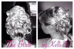 Kelli D, hairstylist Portland Oregon