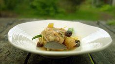 Kylling med salvie og sitron sammen med poteter og squash fra Tareq Taylor i TV-serien Hygge i hagen.