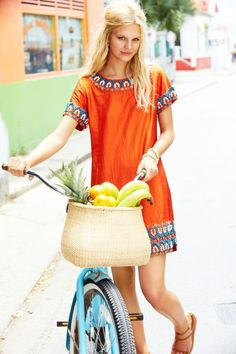 And who said you couldn't look fabulous while buying produce? #womenswear