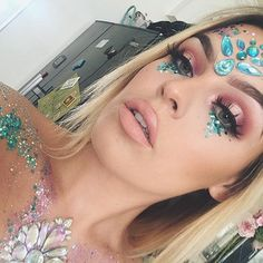 @thegypsyshrine inspired look, using my body gems made by @glitterballs_by_lglondon and my glitter from @glitterstella_ @anastasiabeverlyhills #modernrenaissance on my eyes. Message me to book if your off to Napa this year. #glitter #glittermakeup #sparkle #facegems #bodygems #mua #mua_underdogs #undiscovered_muas #haloeyeshadow #brows #nudelip #napa #ayianapa #nissibeach #messagemetobook #poolparty #boatparty #beachparty #napastrip