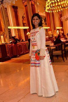 "Nandita Das Looked Stunning in Label ""Purvi Doshi"" Stylish Dresses, Casual Dresses, Fashion Dresses, Kurti Patterns, Dress Patterns, Indian Attire, Indian Wear, Kurta Designs, Blouse Designs"
