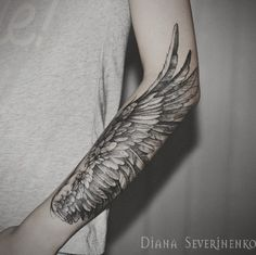 A majestic looking sleeve tattoo. If only we had wings then we could fly. This tattoo design simply shows the beauty of having wings and giving you a chance to don them on your arms via permanent ink. #sleevetattoos