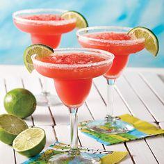Créé sous le soleil du Mexique par Margaret Sames dite «Margarita», une touriste américaine, ce cocktail à base de tequila se marie parfaitement à la chaleur de l'été. Tout en couleur et en fraîcheur, cette variante enrichie de melon d'eau vous fera boire la vie en rose!