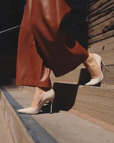 Fashion Bloggers, Classy, Photo And Video, Heels, Instagram, Heel, Chic, High Heel, Stiletto Heels