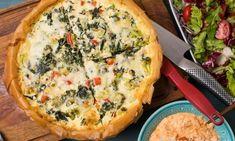 Filodegspaj med spenat och fetaost Quiche, Broccoli, Healthy Recipes, Healthy Food, Veggies, Food And Drink, Vegetarian, Favorite Recipes, Dessert