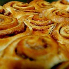 Fahéjas-vaníliás darázsfészek recept Apple Pie, Desserts, Food, Deco, Tailgate Desserts, Deserts, Essen, Postres, Meals