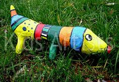 Wonderful ideas for paper mache projects, starting with a kids model dragon. Try our easy homeschool recipe and see what you can make! 3d Art Projects, Paper Mache Projects, Class Projects, Sculpture Lessons, Sculpture Projects, Dog Sculpture, Artists For Kids, Art For Kids, Kid Art