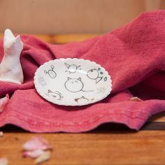 My handmade pottery shop. Made in Tasmania. Pottery Shop, Handmade Pottery, Animal Rings, Ring Dish, Tasmania, Wander, Artisan, Ceramics, Dishes