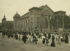Barcelona, peregrinació a Montserrat sortida des del Parc de la ciutadella Abril 1916