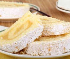 When only something lemony will satisfy your sweet tooth, this toothsome diabetic treat will hit the spot.