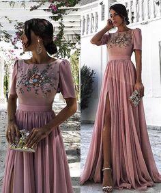 Este posibil ca imaginea să conţină: 1 persoană Modest Bridesmaid Dresses, Prom Dresses Long With Sleeves, Bridesmaid Separates, Wedding Dresses, Sweet 16 Dresses, Cute Dresses, Vintage Dresses, Modern Filipiniana Gown, Event Dresses