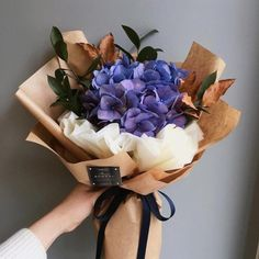 Uploaded by inspiration. Find images and videos about beautiful, pretty and flowers on We Heart It - the app to get lost in what you love. Boquette Flowers, Luxury Flowers, Flower Boxes, Fresh Flowers, Paper Flowers, Planting Flowers, Beautiful Flowers, Wedding Flowers, Flower Bouquet Diy