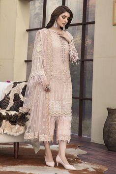 Motifz Luxury - Lawn - Dusty Pink – Blossoms by Azz Pakistani Party Wear, Pakistani Wedding Outfits, Pakistani Dress Design, Pakistani Dresses, Indian Dresses, Indian Outfits, Pakistani Gharara, Pakistani Designer Suits, Indian Party Wear