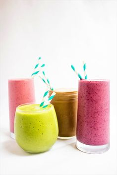 Healthy Make Ahead Breakfast Options! Looking for healthy make-ahead breakfast recipes? Look no further for ideas on smoothies, baked goods. Healthy Make Ahead Breakfast, Vegetarian Breakfast, Breakfast Meals, Healthy Breakfasts, Vitamin B12, Smoothie Recipes, Smoothies, Sante Plus, Healthy Juices